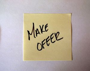 546792_post-it_note_make_offer